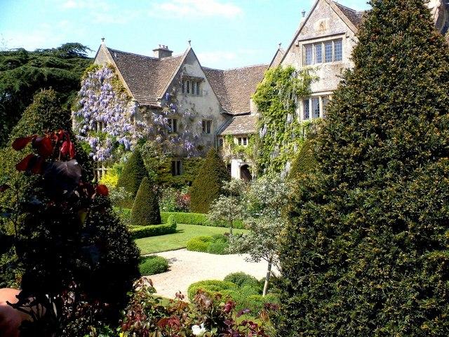 Abbey House Garden at Malmesbury