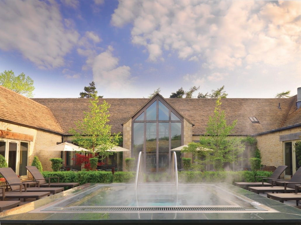 The wonderful outdoor hot tub at Calcot Spa
