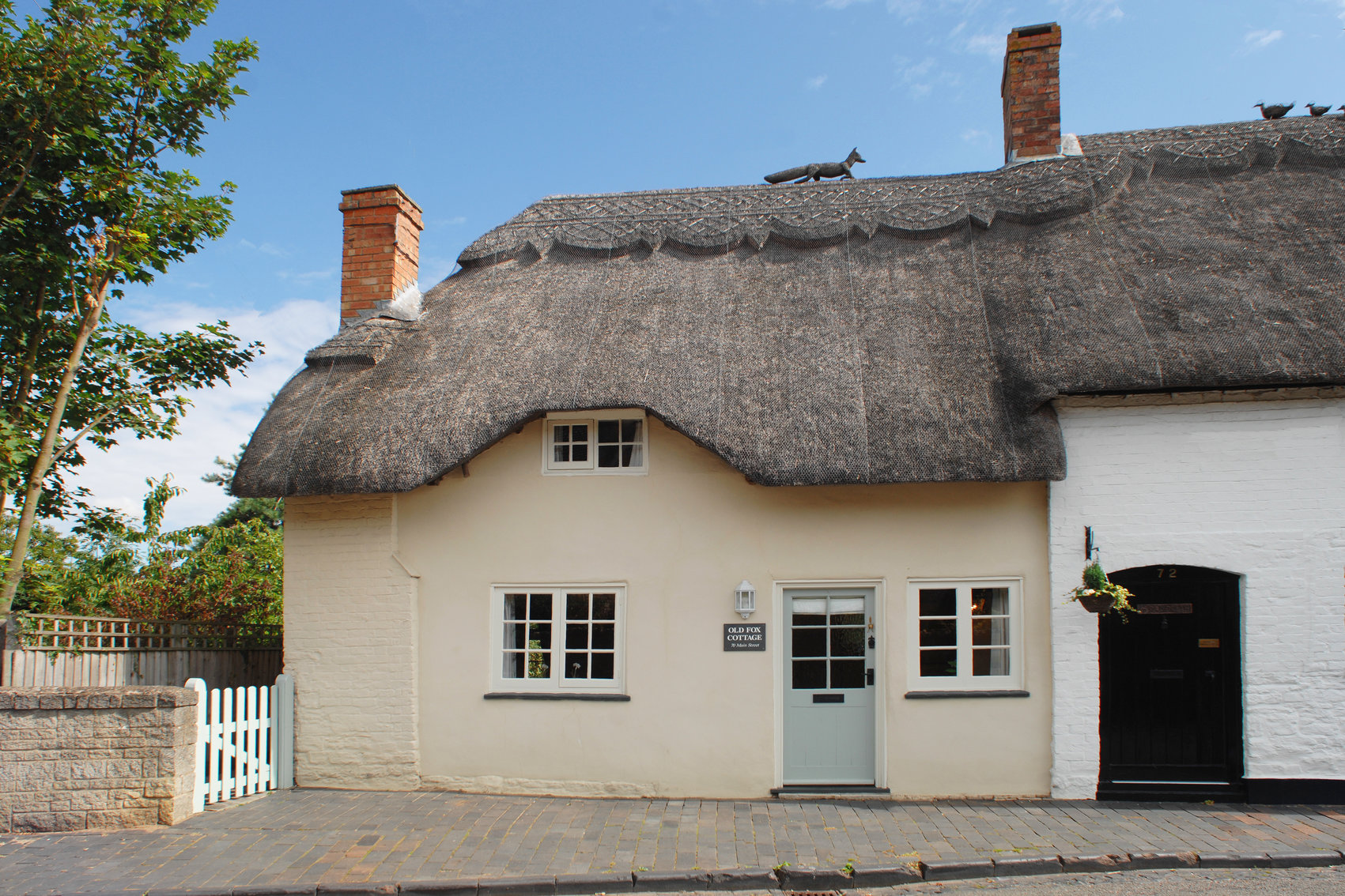 Old Fox Cottage next to Pub of the Year