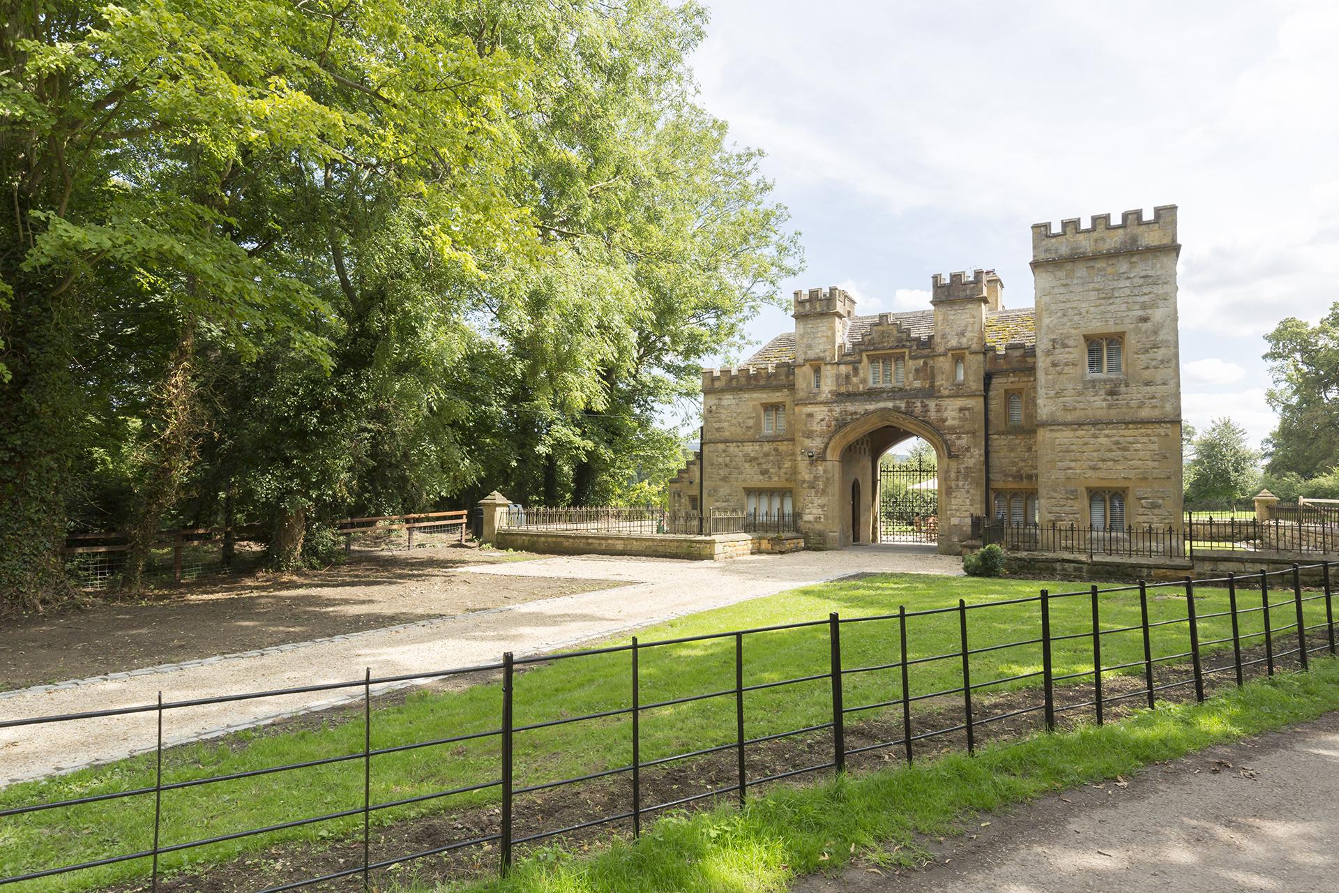 Outside, Castle Gatehouse, Bolthole Retreats