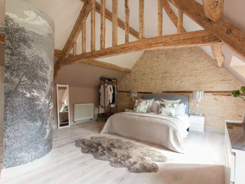 Complete refurbishment of master bedroom for Cotswold holiday cottage near Cirencester – by Astman Taylor